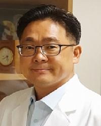 Dr Chang Hun Huh.png1